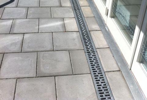 lägga betongplattor utomhus
