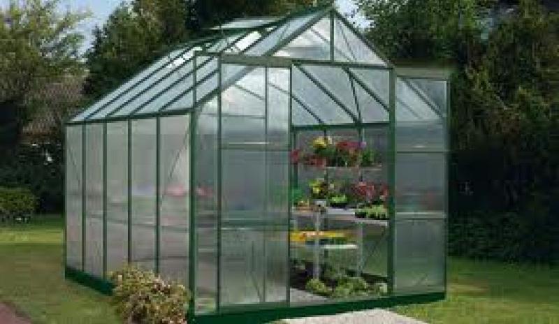 plastglas till växthus