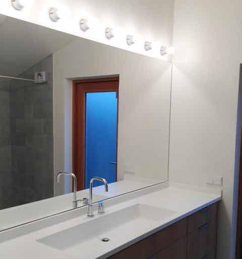 badrumsspeglar med inbyggd belysning