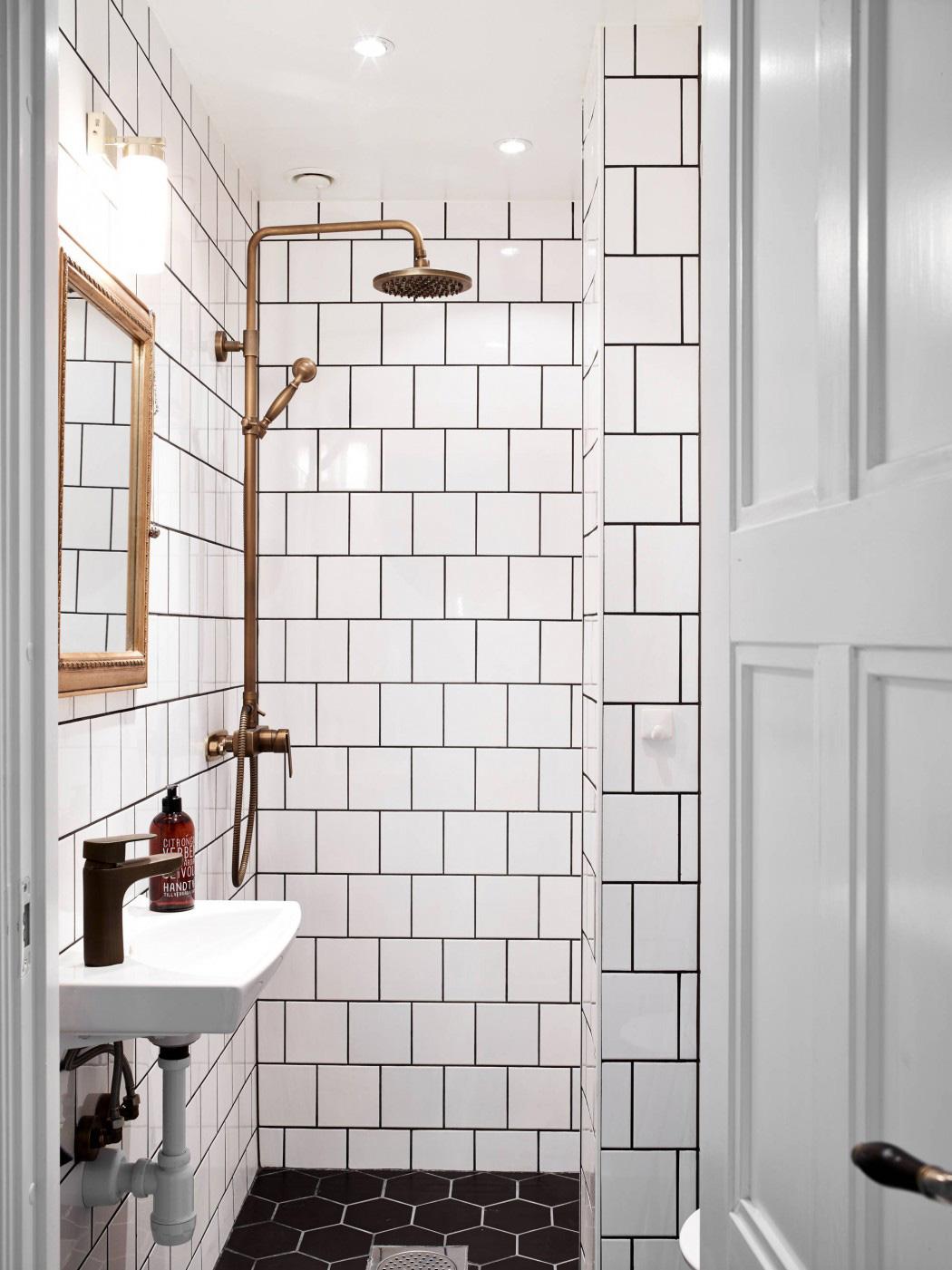 Litet badrum med max funktioner for Small bathroom design 6x6