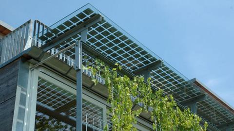 Solceller Integrerade I Glas Tak Och Andra Byggmaterial