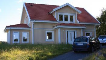 Husbygget blev en salig röra med entreprenör rekommenderad av hustillverkaren