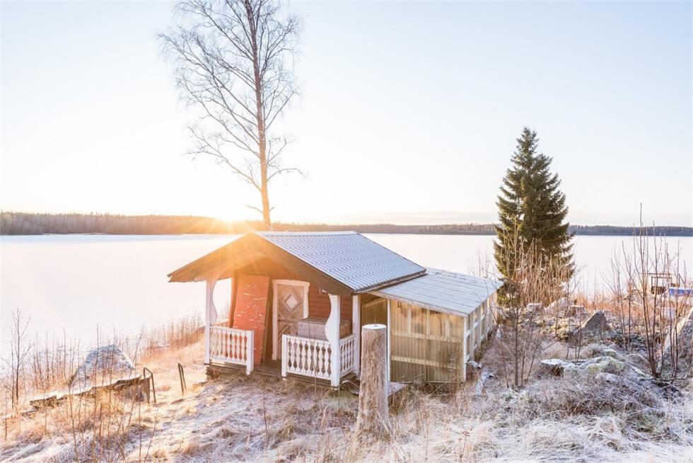 Rött hus i Pråmviken