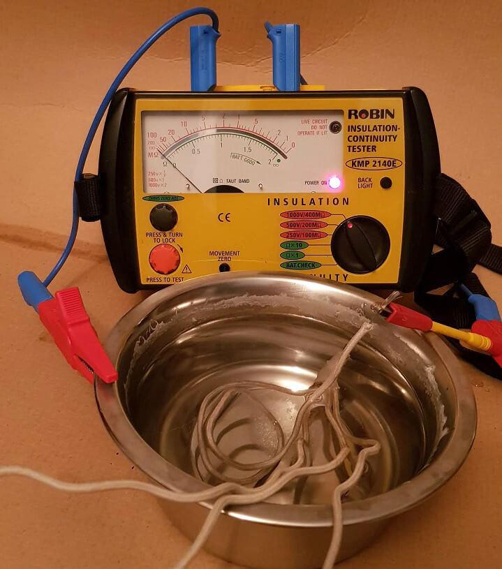 Renovera gammal ljuskrona elektriskt | Byggahus.se