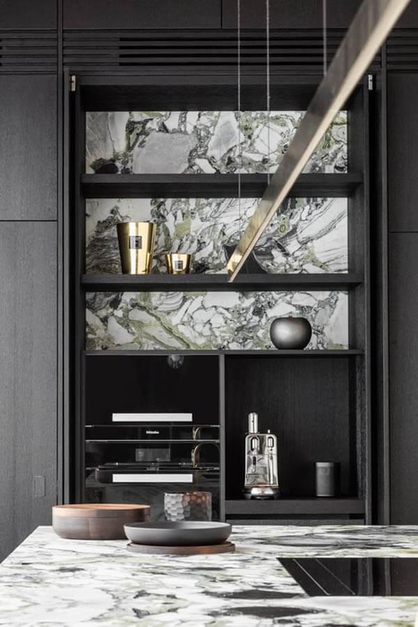 Kök med marmor