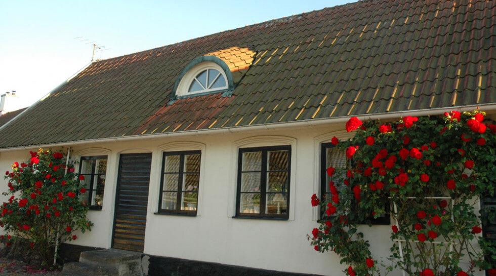 Halvmåneformade lunettfönster