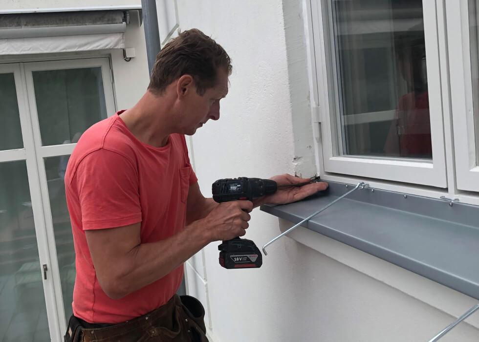 Fönsterbleck monteras