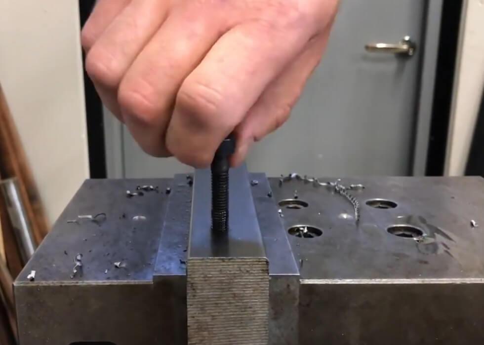 metallrampamuffen på plats
