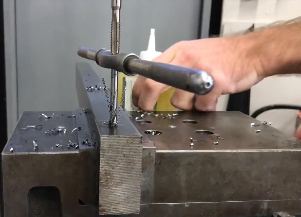 metallspån åker upp