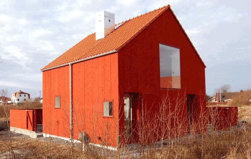 Röd träfasad