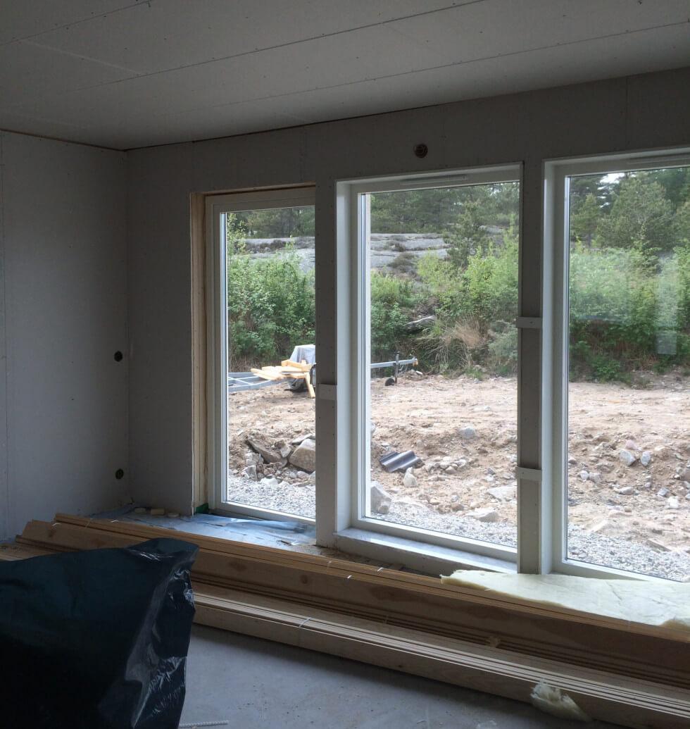 Stora fönster ska ha säkerhetsklas.