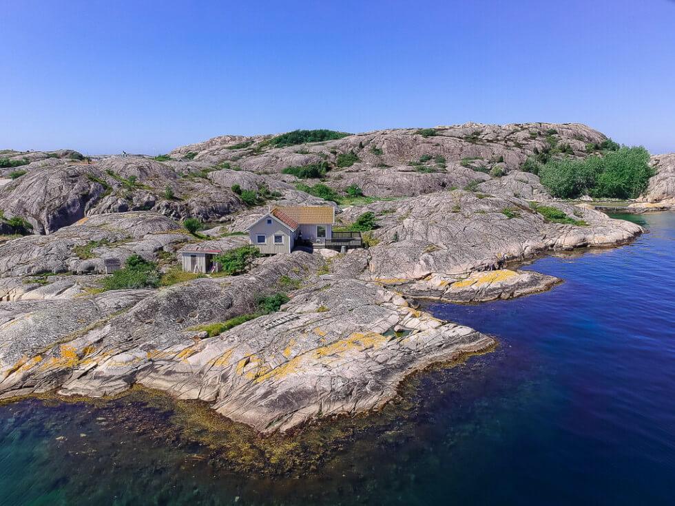 Hus på egen ö Tanum