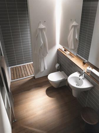 Vägghängd badrumsinredning
