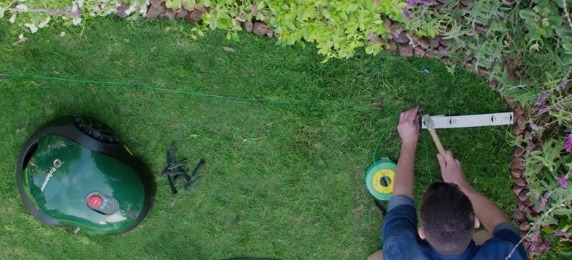 Vi går igenom vad de billiga robotgräsklipparna saknar av det som dyrare  modeller har. b72a9805f17ea